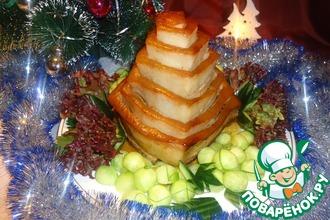 Пирамида из свиной грудинки с рисом и овощами