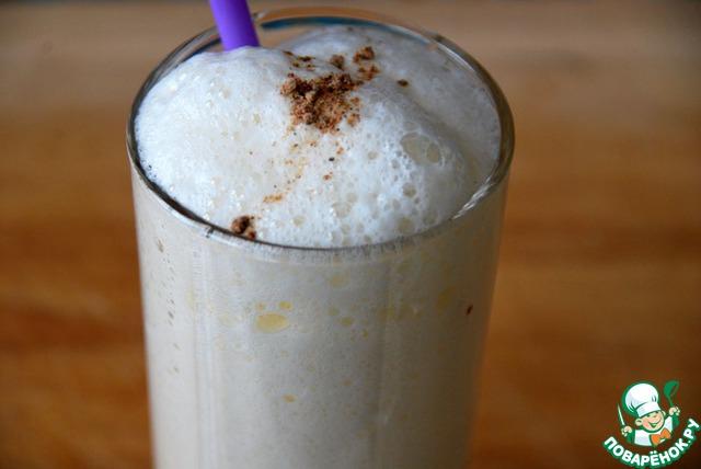 Гоголь-моголь - и напиток, и десерт, его можно есть ложкой или пить через соломинку.    Выливаем в удобный бокал, посыпаем мускатным орехом.     Будьте здоровы!