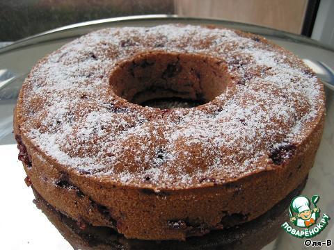 Затем кекс посыпать сахарной пудрой.