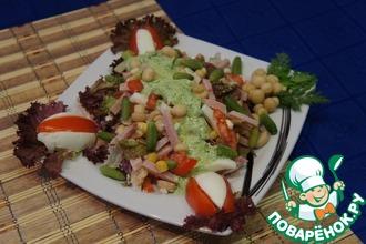 Салат с зеленой салатной заправкой