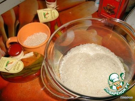 Все, что понадобится: рис, вода, соль.    И, конечно, микроволновка!!!