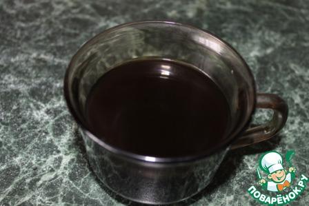 Варим чашечку кофе, даём остыть, добавляем ликёр.