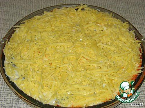 На самый верх укладываем сыр. Выпекаем муссаку в прогретой до 200*С духовке 30-40 минут до образования румяной корочки.