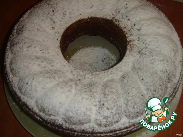Готовый кекс посыпать сахарной пудрой.