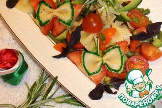 Тёплый средиземноморский салат с фарфалле