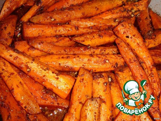 Готовая морковь должна быть мягкой, но при этом цельной, не кашеобразной. Она покрывается аппетитной корочкой.   А аромат, который распространяется по кухне во время приготовления этой морковки, возбудит просто бешенный аппетит.        Приятного аппетита!