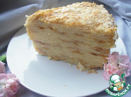 Пропитавшийся торт в разрезе. Как видите крем не вытекает, но коржи очень мягкие и отлично пропитавшиеся.