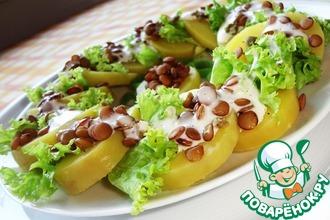 Салат из картофеля и зеленой чечевицы