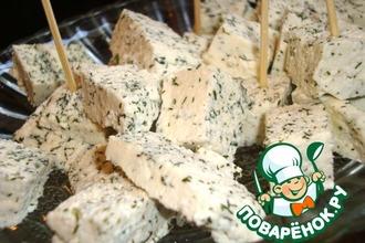 Мягкий домашний сыр с укропом
