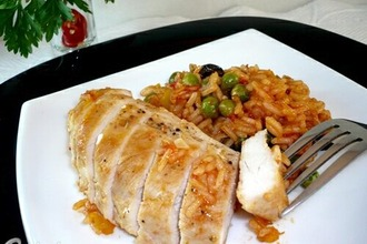 Куриные грудки с рисом по-каталонски