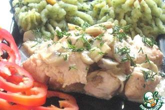 Куриная грудка в сметанно-яичном соусе