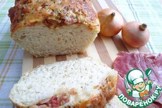 Хлеб с луком, беконом и сыром