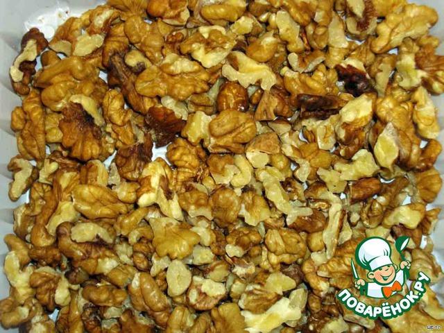 Грецкие орехи измельчаем блендером
