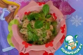 Лосось с овощами и шпинатом