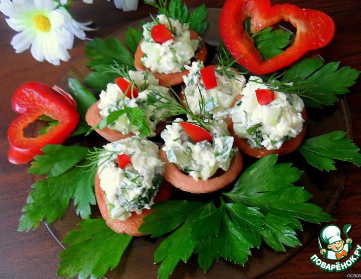 "Колбасные ""тарелочки"" с салатом"