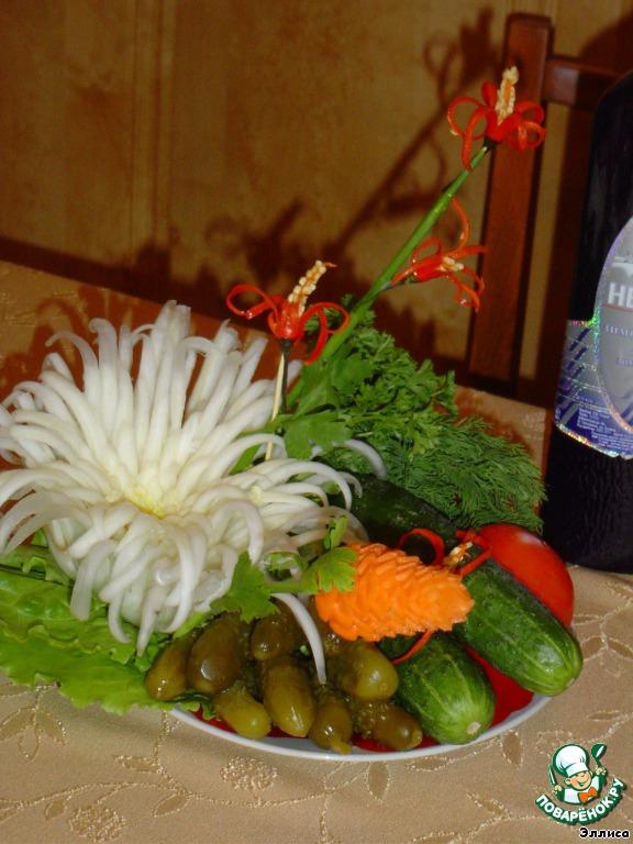 Используем эти цветы для украшения блюд.