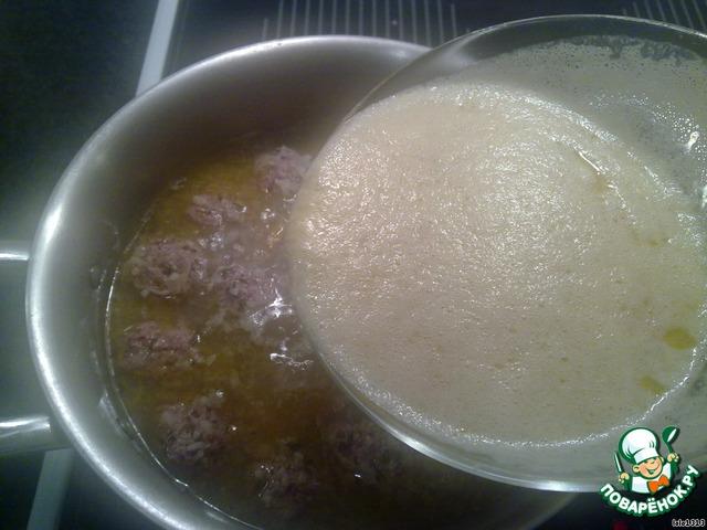 Ввести подготовленную смесь в суп.