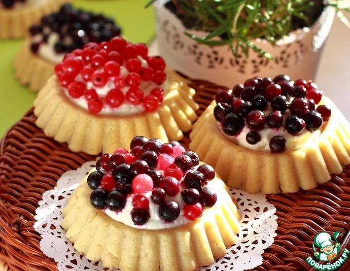 Корзинки с ягодами и нежным кремом
