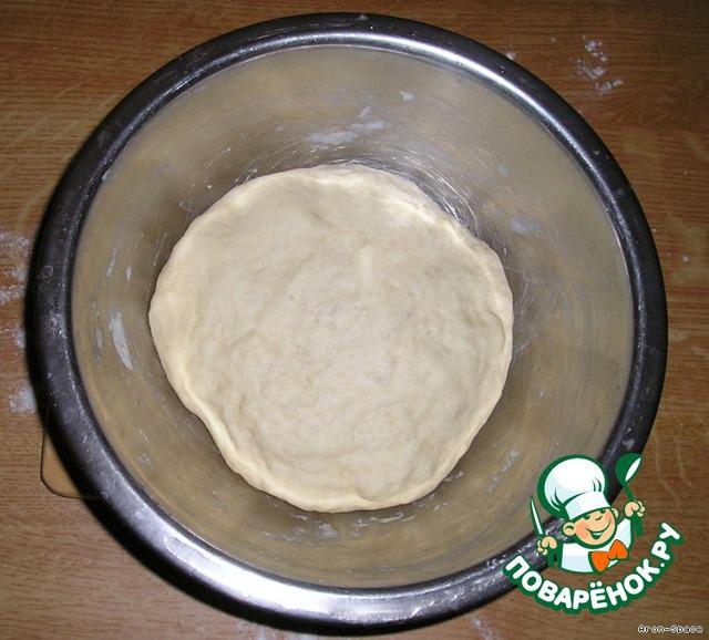 Ну вот, наше тесто увеличилось в объёме и готово. В идеале, тесто должно подойти в 2-2,5 раза.