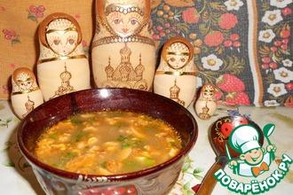 Суп с грибами, фасолью и орехами