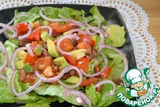Салат из фасоли и помидоров