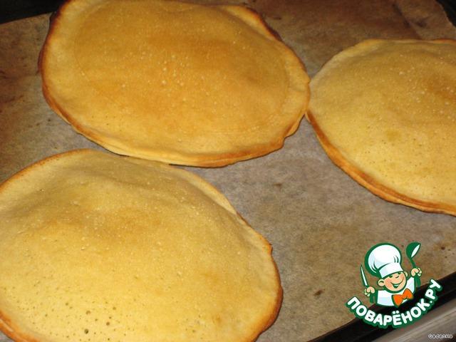 Поставить в духовку на 10-13 минут.   Подавать горячими, да и в холодном виде они хороши. Нежные, с хрустящей корочкой, чем не отличный завтрак.