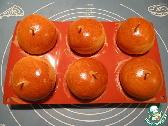 Выпекаем пирожки в духовке при температуре 180-190 градусов примерно 18-20 минут до золотистого цвета.