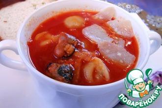 Суп томатный с пельменями и морскими гадами