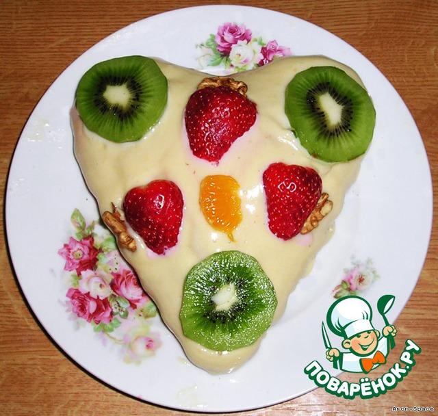 По желанию, украсьте бисквит кусочками фруктов, ягод и/или орешками.
