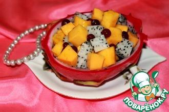 Легкий десерт из манго и питахайя