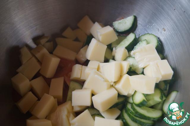 Все овощи выкладываем в салатник.