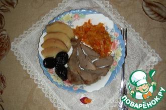 Индоутка, фаршированная черносливом и айвой, в соусе из грейпфрута