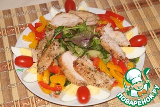 Теплый салат с запеченной курицей