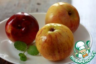 Моченые яблоки с корицей, чабрецом и мятой
