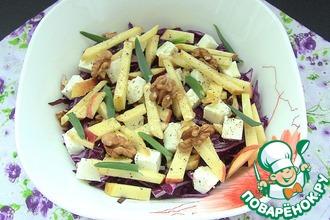 Салат с краснокочанной капусты с орехами и яблоками