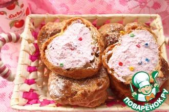 Заварное пирожное с творожно-вишневой начинкой
