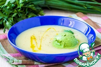 Овощной крем-суп с мороженым из шпината и сметаны