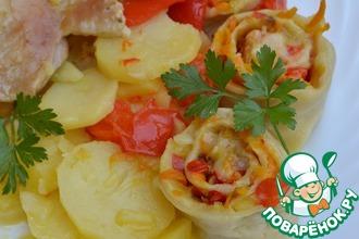 Индейка, картофель и штрудели с овощной начинкой