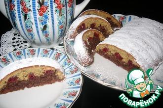 Ореховый кекс с безе и вяленой вишней