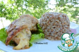 Куриные грудки, фаршированные сыром, со сливочно-чесночным соусом