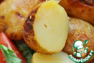 Ароматный запеченный картофель с соевым соусом и лимонным соком