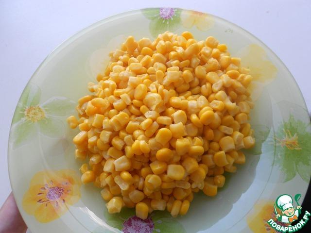 Слить воду с кукурузы.