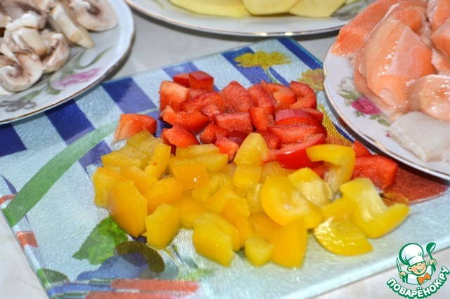 Болгарский перец режем кубиками