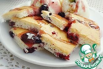 Смородиновый бисквитный десерт с мороженым
