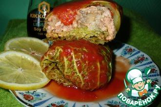 Голубцы с форелью в томатном соке