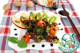 Теплый мятный салат из брокколи с яблоком