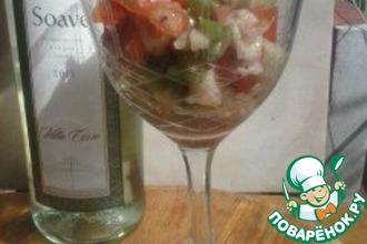 Салат из осминога со свежими овощами