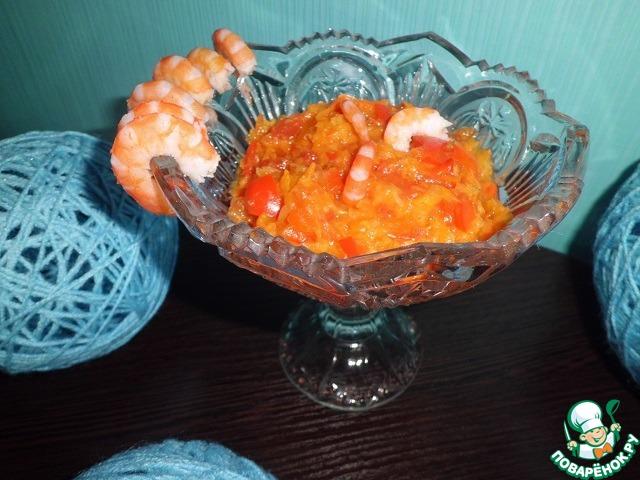 Далее два варианта развития событий. Можно прямо в соус добавить Ваши любимые морепродукты и приготовить их в нем же. А можно приготовить их отдельно...