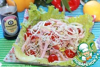 Салат с луком-пореем, мясом и кунжутом