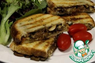 Горячие бутерброды с грибами и сыром на гриле